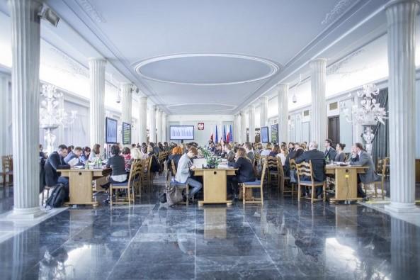 Prezentacja wyników Raportu Dostępności 2015 podczas konferencji Cyfrowo Wykluczeni w marcu 2015 w Sejmie RP